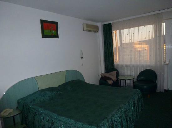 Grand Hotel Ceahlau Piatra Neamt: Habitación. Otra