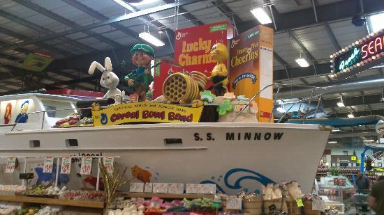 Jungle Jim's International Market: Gotta find Gilligan!