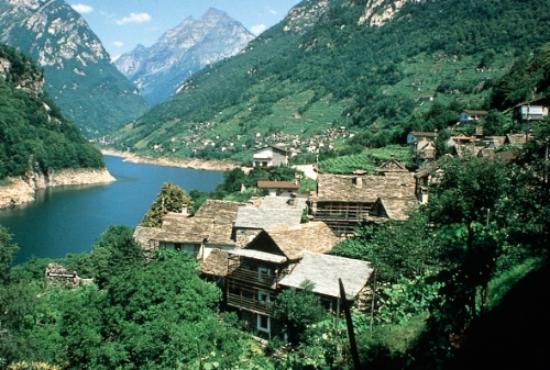 FERIENDORF RUSTICI DELLA VERZASCA - Prices & Lodge Reviews ...