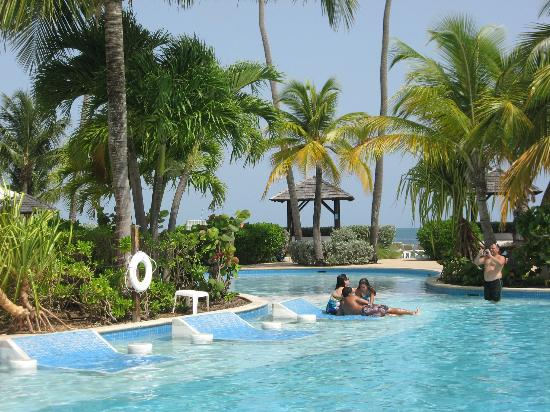 The lovely Lagoon Pool - Picture of Gran Melia Golf Resort ...