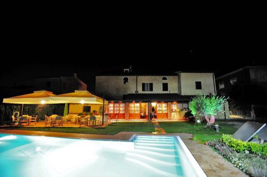 Villa Maria B&B : la bellissima struttura in notturna