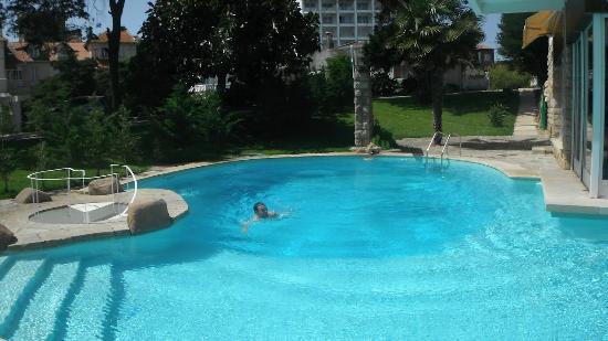 The swimming pool at Villa Unika