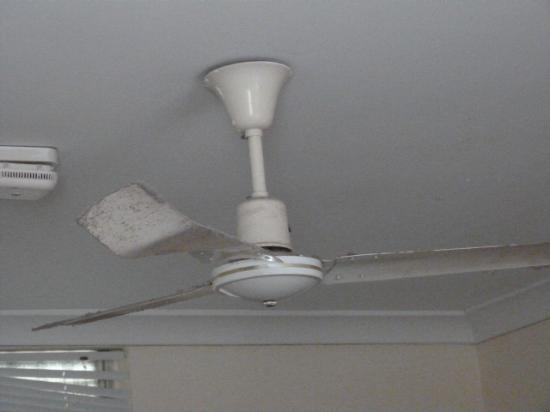 Rockhampton YHA: the ventilator/fan