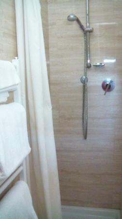 Hotel Le Grazie: Bagno stanza (1)