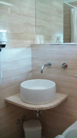 Hotel Le Grazie: Bagno stanza (2)