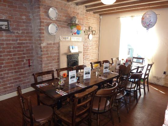 Capplemans Fish & Chips Restaurant: Table Setting