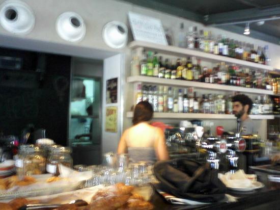 Cafe Yehoshua: The bar