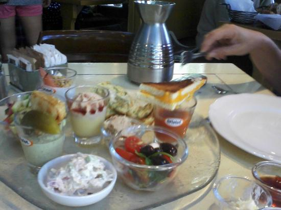 Cafe Yehoshua: Our shared breakfast