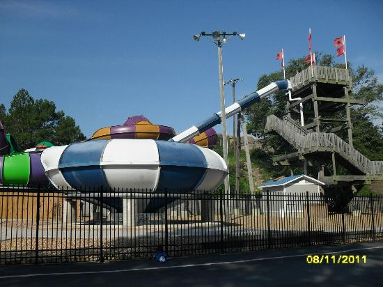 Ocean Breeze Waterpark : Hurricane