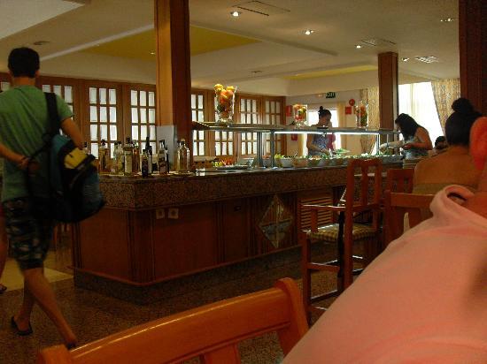 Hotel Servatur Waikiki: salad area