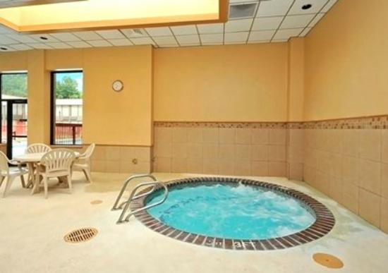Indoor Hot Tub - Picture of Quality Inn & Suites Nacogdoches ...