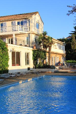 Ile du Levant, Γαλλία: Heliotel - Swimming pool and hotel
