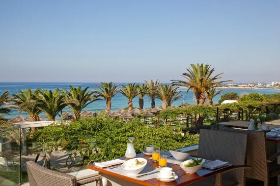 Alion Beach Hotel: Breakfast Terrace