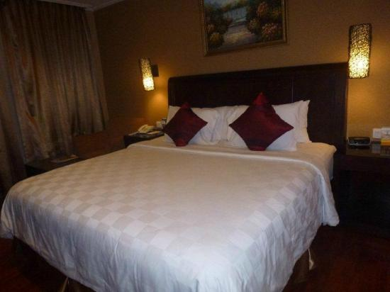 BEST WESTERN Mangga Dua Hotel and Residence: bed