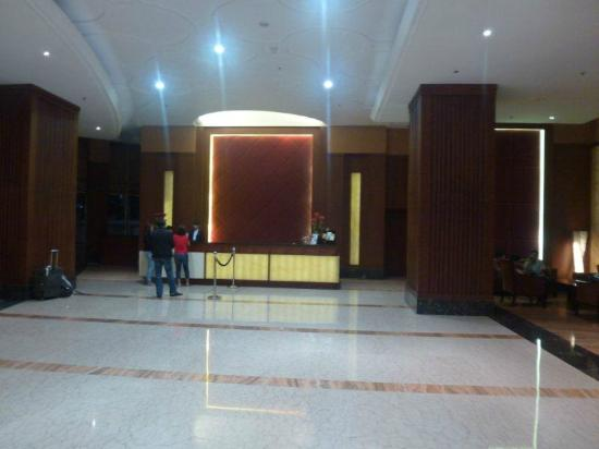 โรงแรมเบสท์เวสเทิร์นแมงกาดัวแอนด์เรสซิเดนท์: lobby
