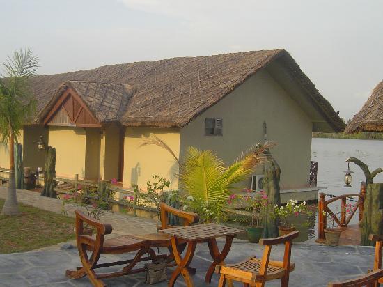 Emarald Pristine Island Floating Resort: Cottage