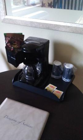 Quality Inn: Coffee Station