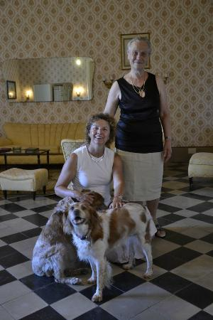 B&B Castello Vecchio : With the owner and her dogs