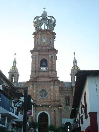The Church of Our Lady of Guadalupe: Vista frontal de la Iglesia