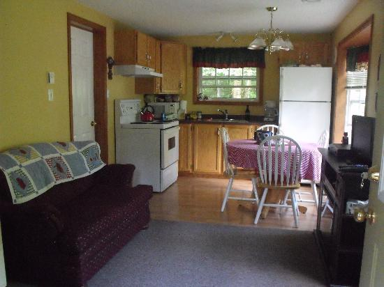 Bocabec Country Garden Cottages: Main level