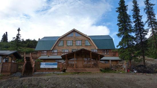 Alpine Creek Lodge: View of the lodge