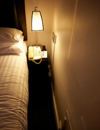 Mercure London Kensington: Ultra thin space in room