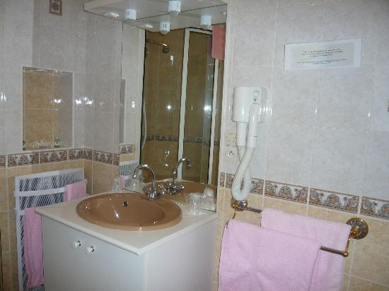 Hotel Bristol Thermal: Salle d eau