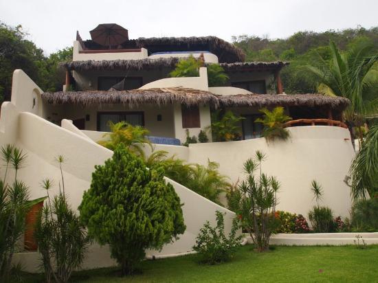 Hotel Cinco Sentidos: Hotel front