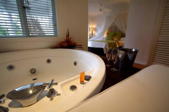 The Reef House Palm Cove - MGallery Collection: Brigadier Beachfront Spa