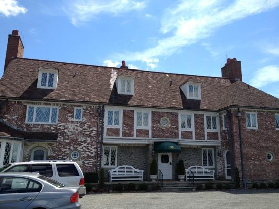 Point Pleasant Inn: Front entrance