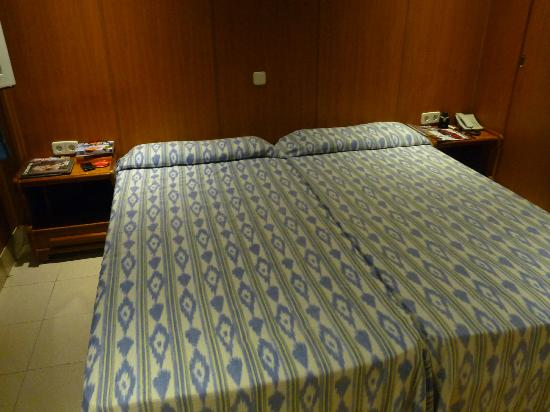 Hotel Ayron Park: Very comfortable beds