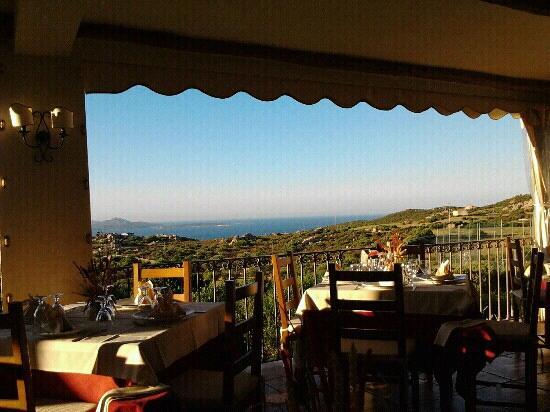 Hotel Li Finistreddi: Panorama dal ristorante