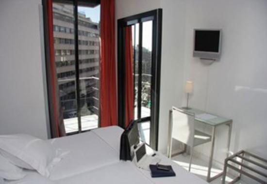Hotel Medicis: Guest Room