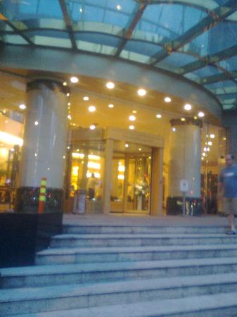 The Bund Hotel: Hotel Entrance