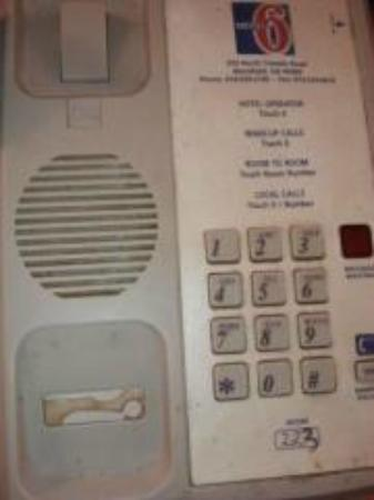 Motel 6 Mansfield: Filthy Telephone