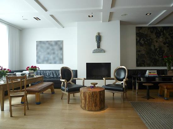 101 hotel : Lobby area with signature fireplace and design books/magazines galore!