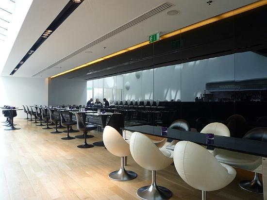 101 hotel : Bar/reaturant area
