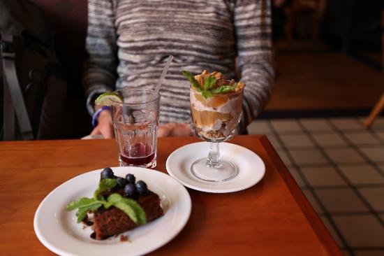 Angelica Kitchen : Desserts