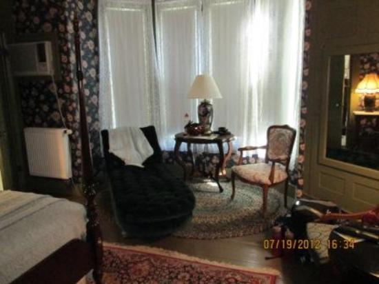 Mira Monte Inn: very comfortable room 