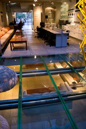 cE Hotel de Diseño: Hall de entrada e área de café da manhã