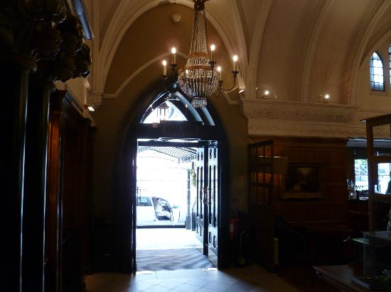 Foyer Stairs Reviews : Foyer stairs picture of macdonald randolph hotel oxford