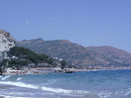 Villa Carmelas: Beach just 2-minutes walk from Villa Carmelas 