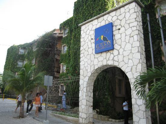Hotel El Tukan: Entrance Tukan