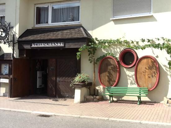 Kueferschaenke Hotel: The front of the restaurant