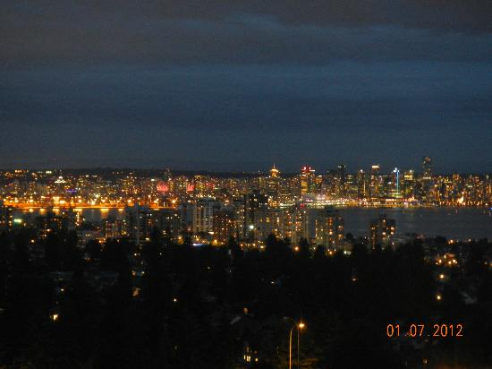 Crystal's View Vancouver Bed and Breakfast: Ausblick auf die Skyline Vancouvers
