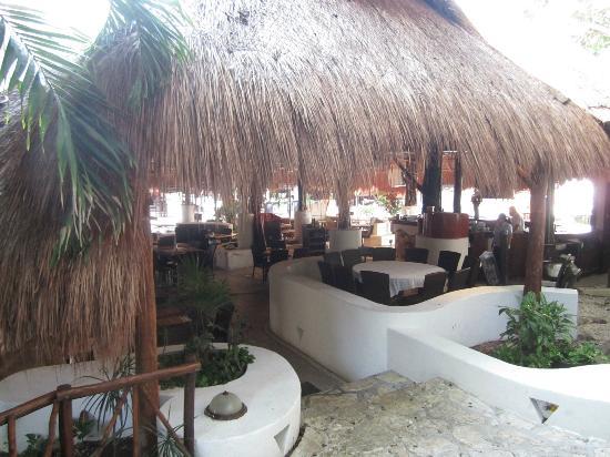 Hotel El Tukan: Tulipanes Restaurant