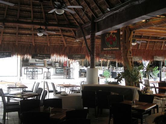 El Tukan: Tulipanes Restaurant