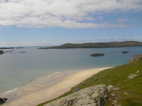 Inishbofin House Hotel & Marine Spa: Beach on the West End