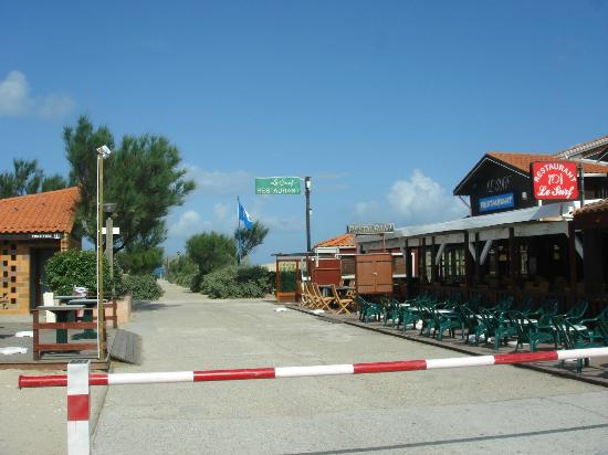 Camping Airotel de la Cote d'Argent: The nearby Surf Bar