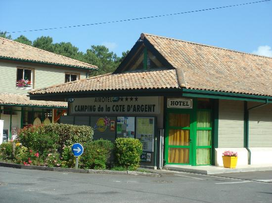 Camping de la Cote d'Argent: The entrance to the campsite